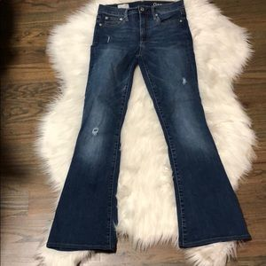 Gap Resolution skinny flare jeans. Size 26.